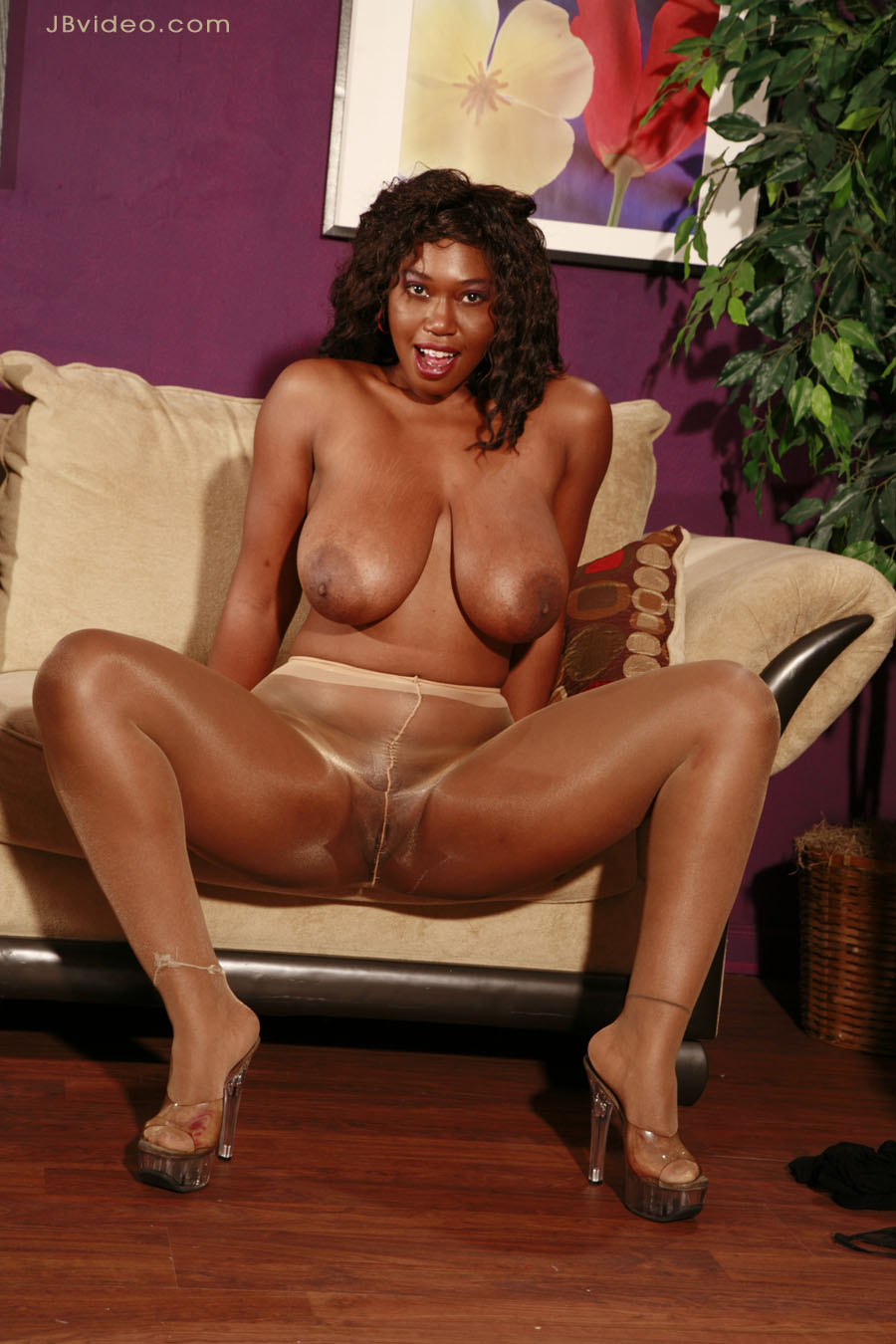 18 years old ebony girl sucks and fucks the it guy 7